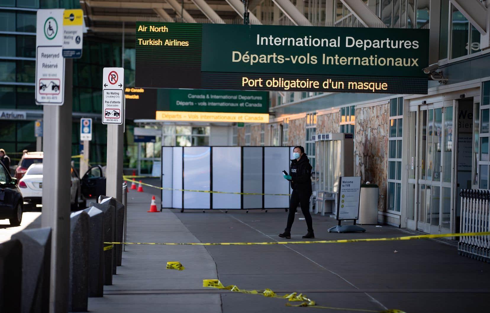 L'administration de l'aéroport de Vancouver a déclaré dans un communiqué que la GRC avait répondu à l'événement à l'extérieur du terminal principal dimanche après-midi.