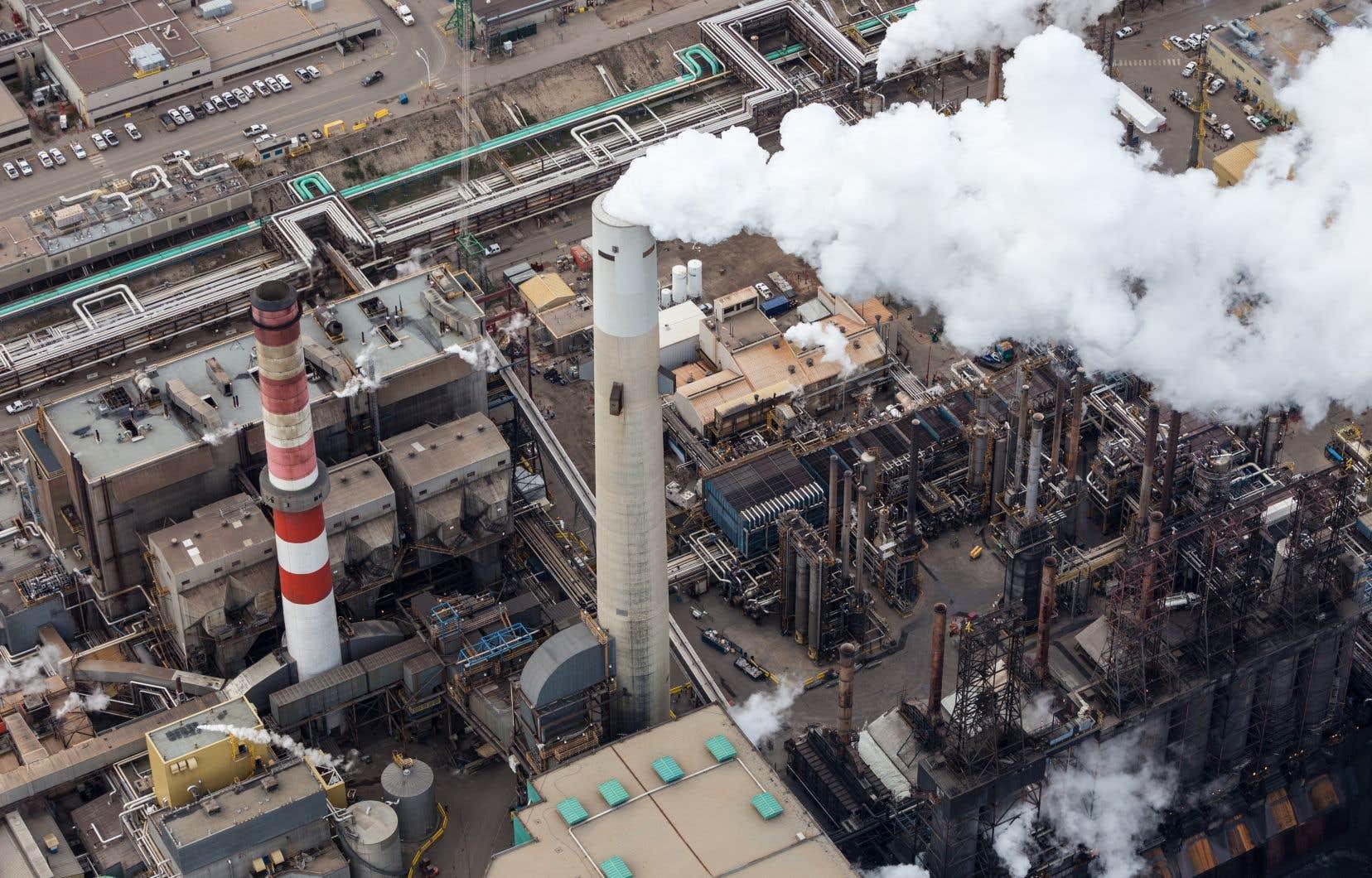 «Nous sommes le plus grand supporteur financier public par habitant de l'industrie fossile du G20», souligne l'autrice.