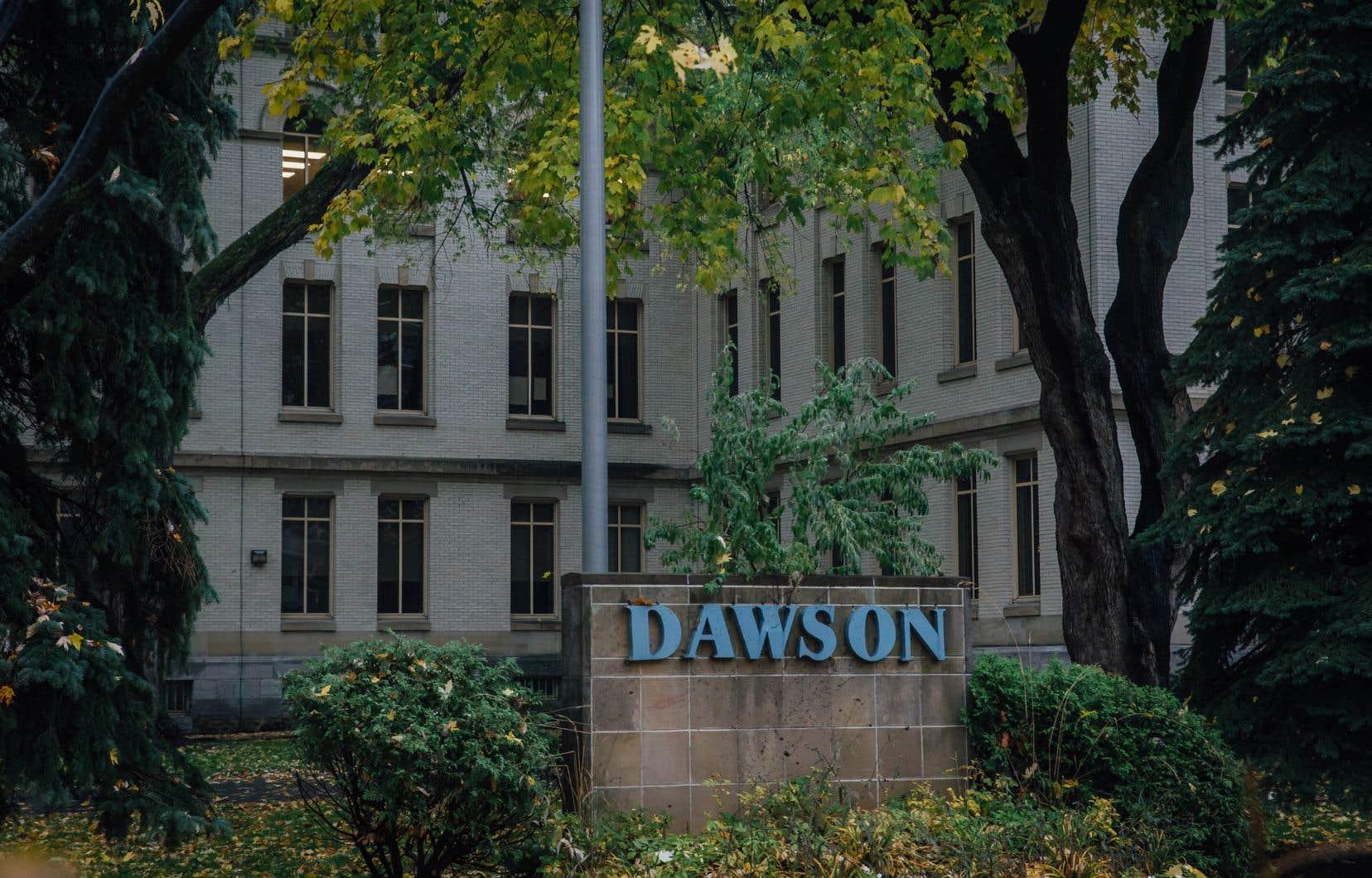 Le Collège Dawson, le Cégep John Abbott et le Collège Vanier, tous basés sur l'île de Montréal, ont uni leurs voix vendredi pour réagir au projet de loi 96.