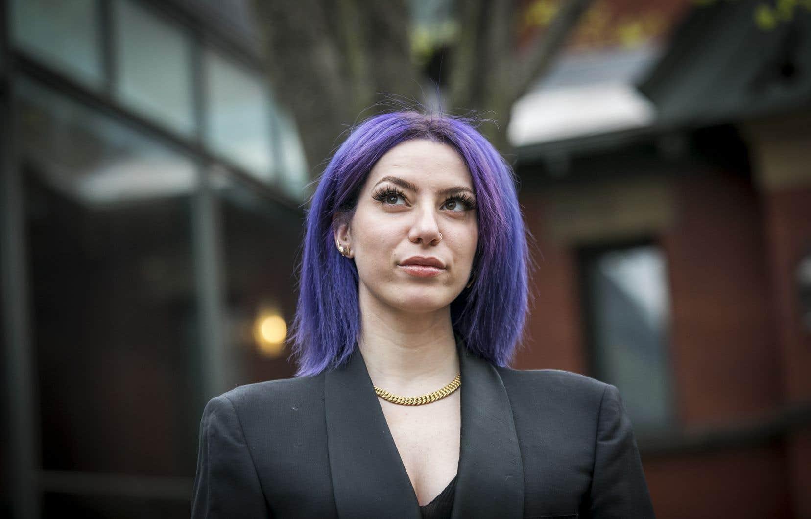 «Chaque féminicide m'arrache le cœur. Ça me fait revivre le meurtre de ma mère», confie Dania Nehme.