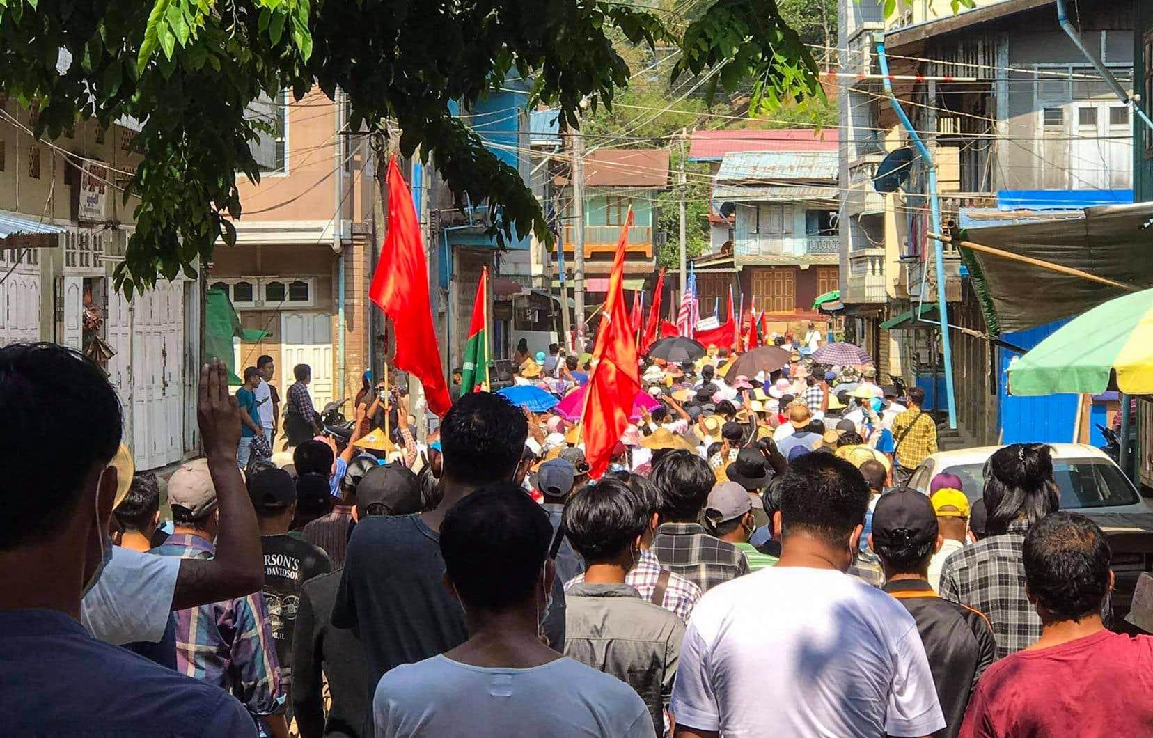 Au moins 796opposants au putsch ont été tués par les forces de l'ordre myanmaraises depuis le 1erfévrier, selon une ONG locale, et près de 4000 ont été emprisonnés.