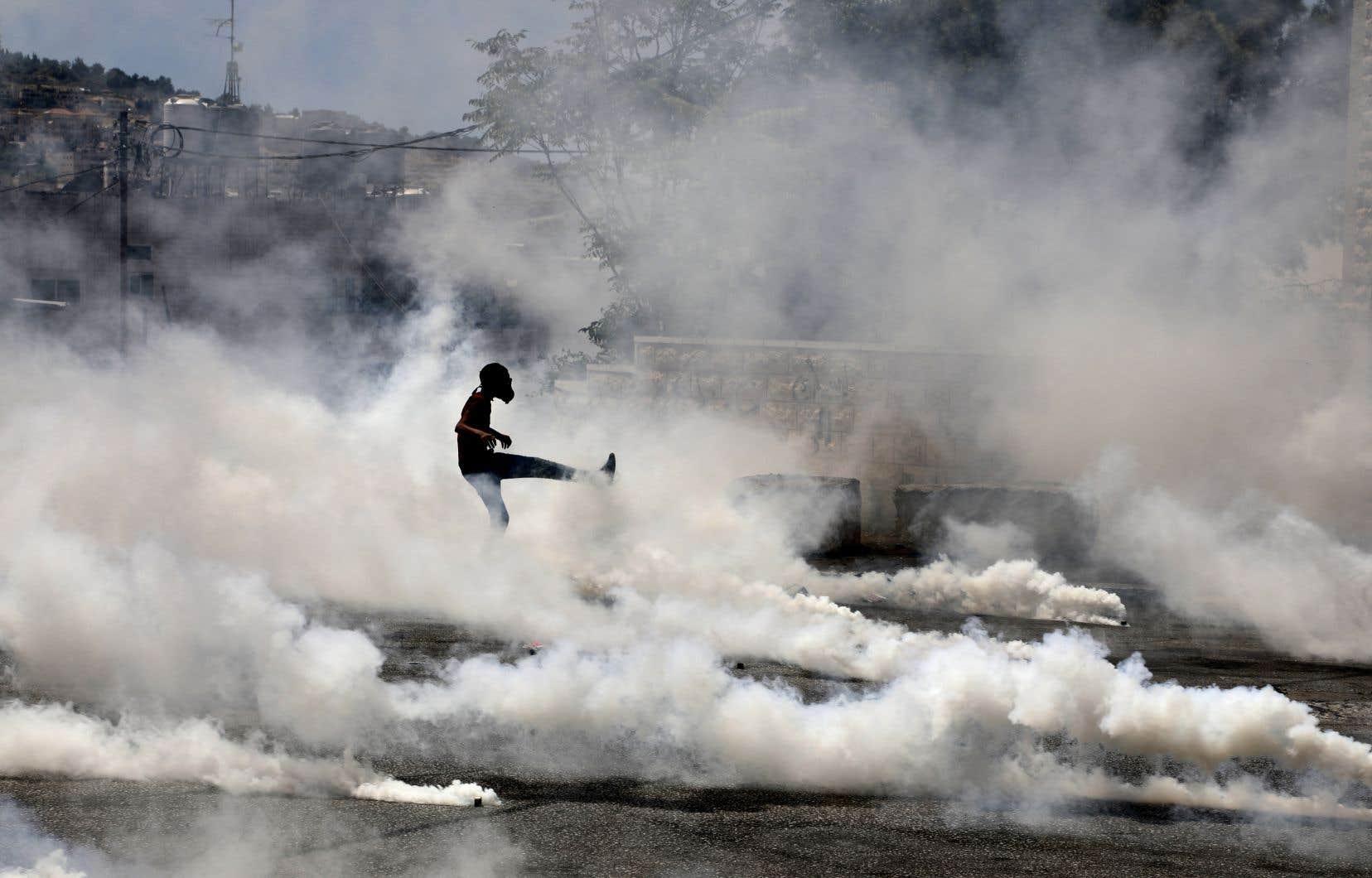 Les Palestiniens de Cisjordanie ont organisé mardi une journée de «colère» en solidarité avec Gaza, qui a été très largement suivie.
