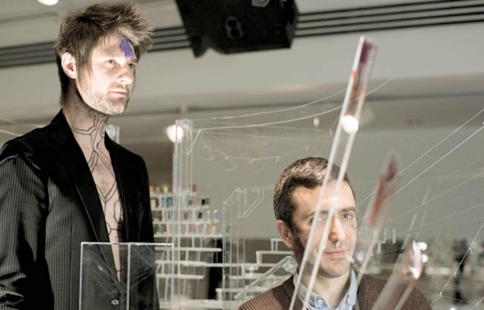 Pierre Lapointe et David Altmedj ont travaillé ensemble sur le projet Contes crépusculaires, présenté à la galerie de l'UQAM.