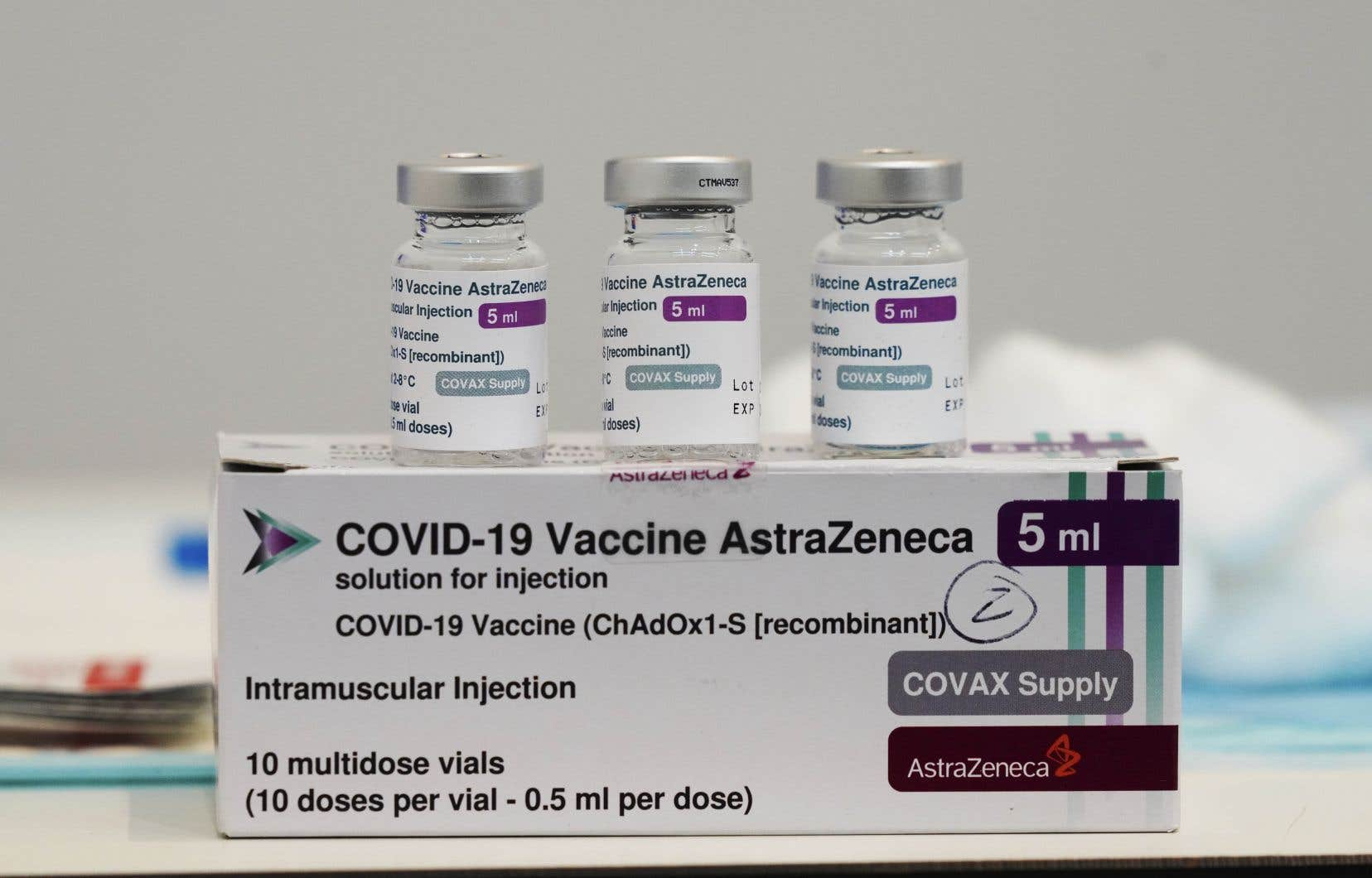 Le Québec, qui vient de recevoir 148000 doses d'AstraZeneca, a cessé d'utiliser ce vaccin en première dose.