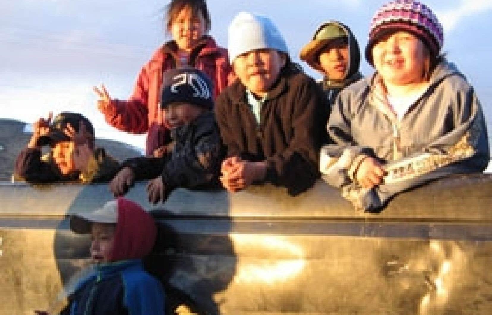 Les quelque 10 000 Inuits vivent dans 14 villages nordiques situés entre le 55e et le 64e parallèle, le long des côtes de la baie d'Hudson et de la baie d'Ungava.  Photo: Joelle Tougas