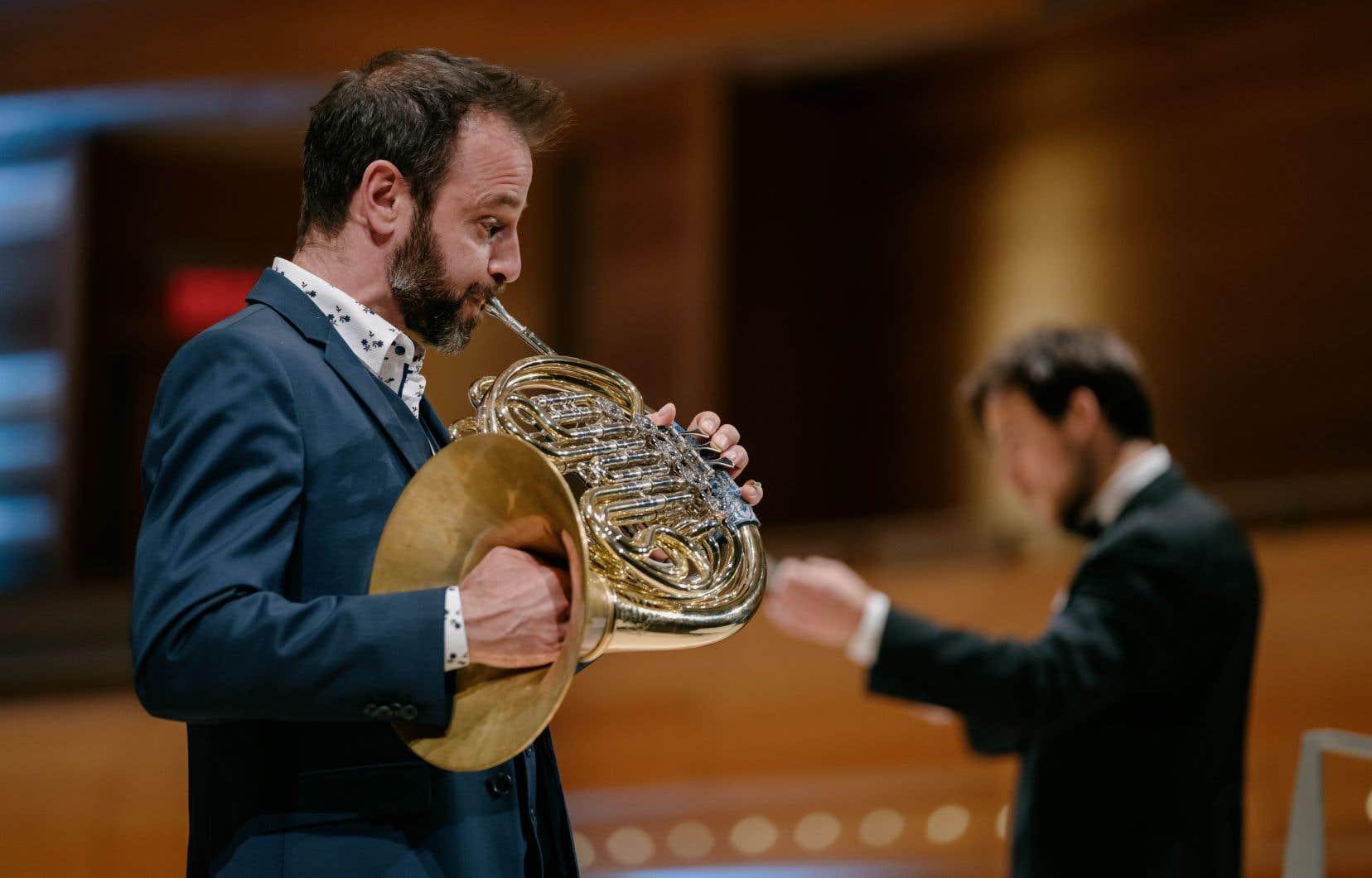 Le cor solo de l'Orchestre Métropolitain, Louis-Philippe Marsolais, a été placé à l'avant-scène lors de l'interprétation du «1erConcerto» de Mozart.