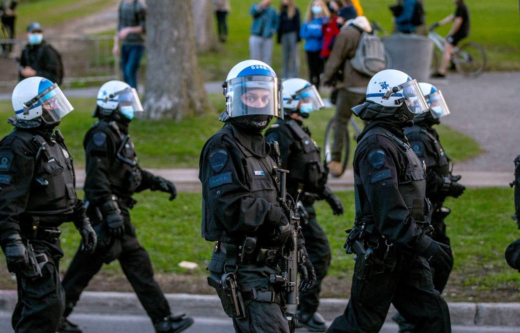 Les membres du comité consultatif sur la réalité policière ont formulé 138 recommandations, dont certaines entraîneraient l'abolition de dizaines de corps policiers, pour qu'il n'en reste que 13 dans l'ensemble du Québec.