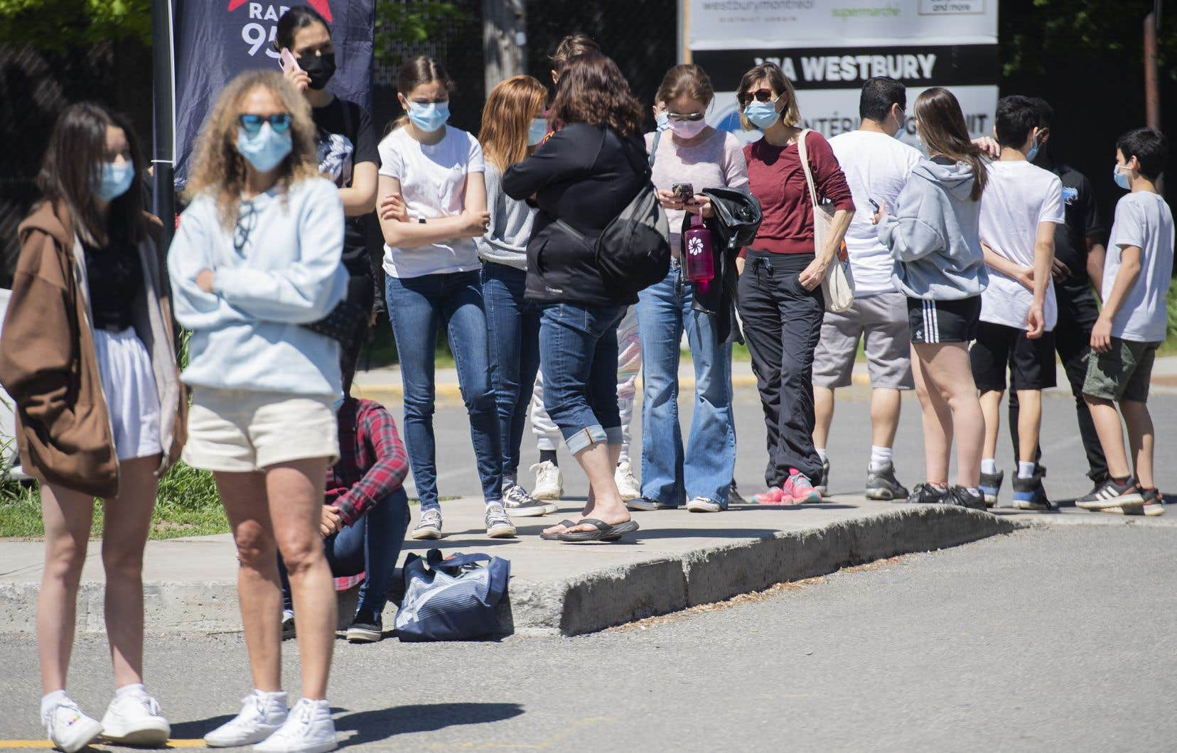 En excluant les personnes ayant reçu le vaccin, c'est environ 10% de la population adulte du Québec qui a développé des anticorps en raison d'une infection.