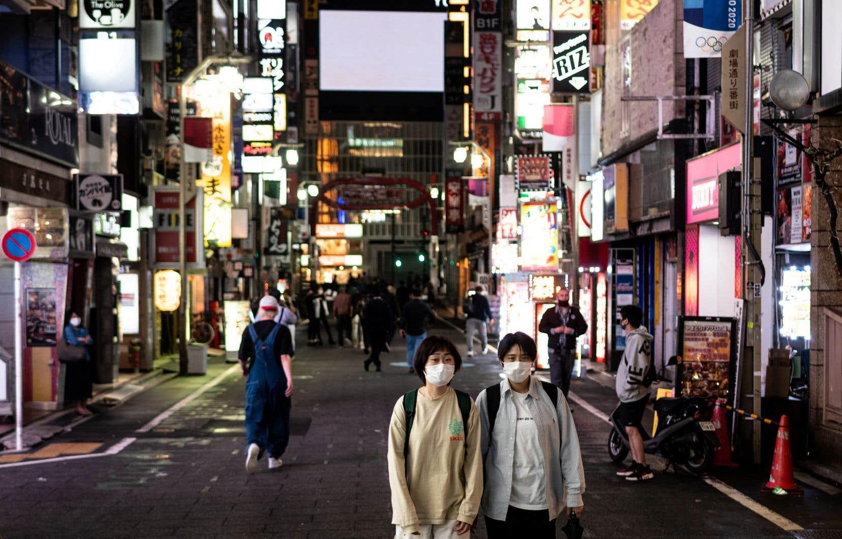 L'état d'urgence, qui avait déjà été prolongé courant mai, concerne actuellement 10 des 47 départements du Japon, dont ceux de Tokyo.