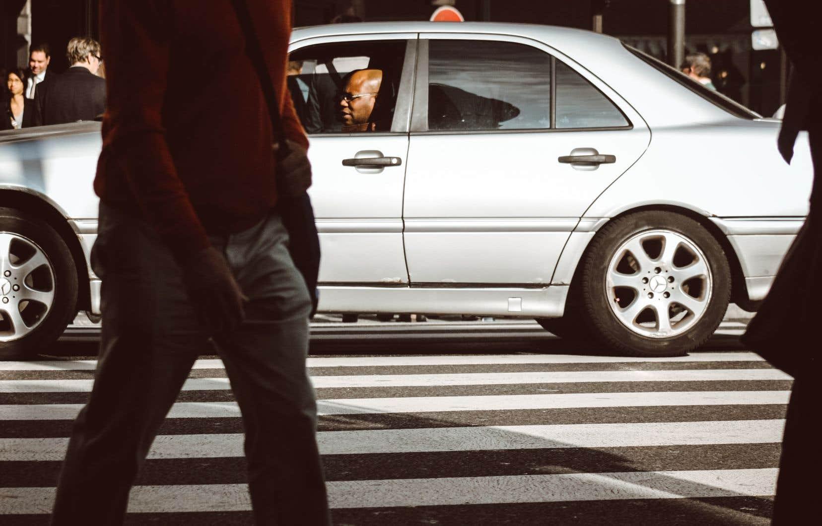 Les piétons courent 284 fois plus de risques de périr ou de subir des blessures dans une collision avec un véhicule que les conducteurs ou les passagers, selon l'organisme Parachute.
