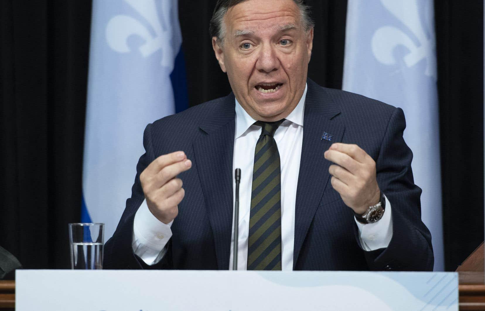Par le biais de ses conseillers politiques, M.Legault a «demandé» au directeur national de santé publique, le DrHoracio Arruda, de «trouver un compromis pour nos jeunes».