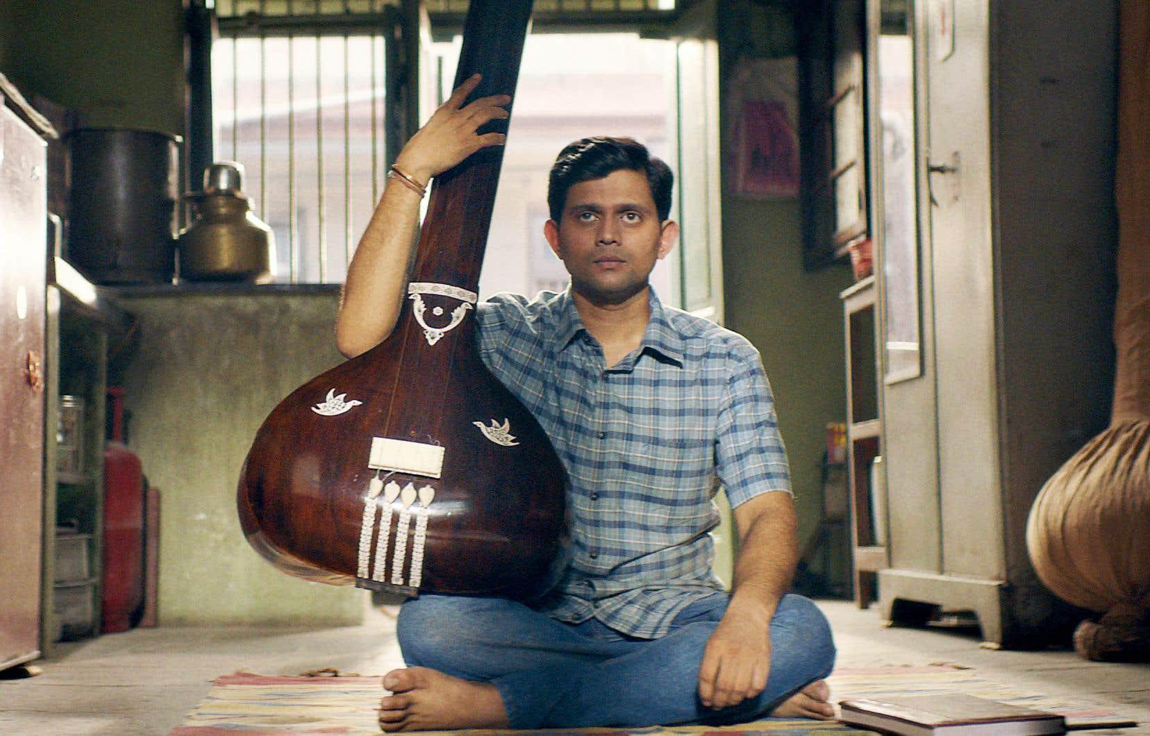 «Le disciple» raconte la quête d'absolu contrariée d'un musicien indien classique.