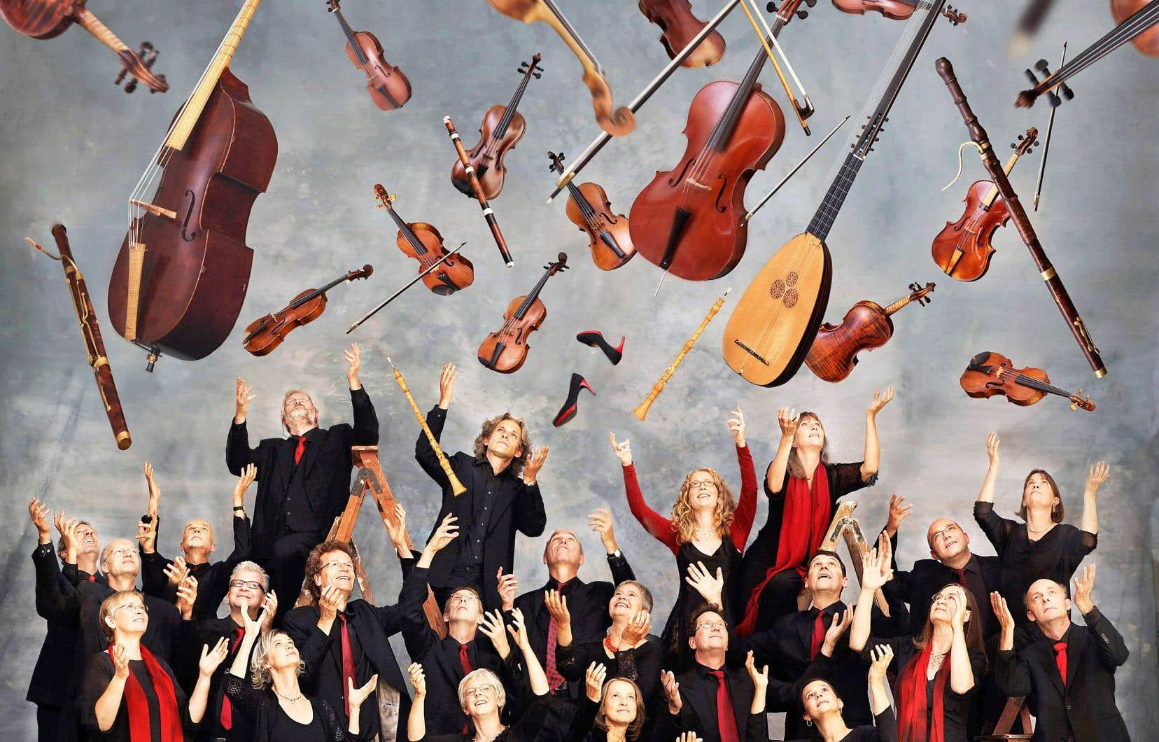 Durant les trois derniers mois sont parues quatre nouvelles versions discographiques de la fameuse «Sérénade pour 13 instruments à vent», dite «Gran Partita», de Mozart. Il est fort tentant d'en faire un commentaire comparatif, d'autant que la dernière en date, signée par l'Akademie für alte Musik Berlin (Akamus, notre photo), est interprétée sur instruments anciens.