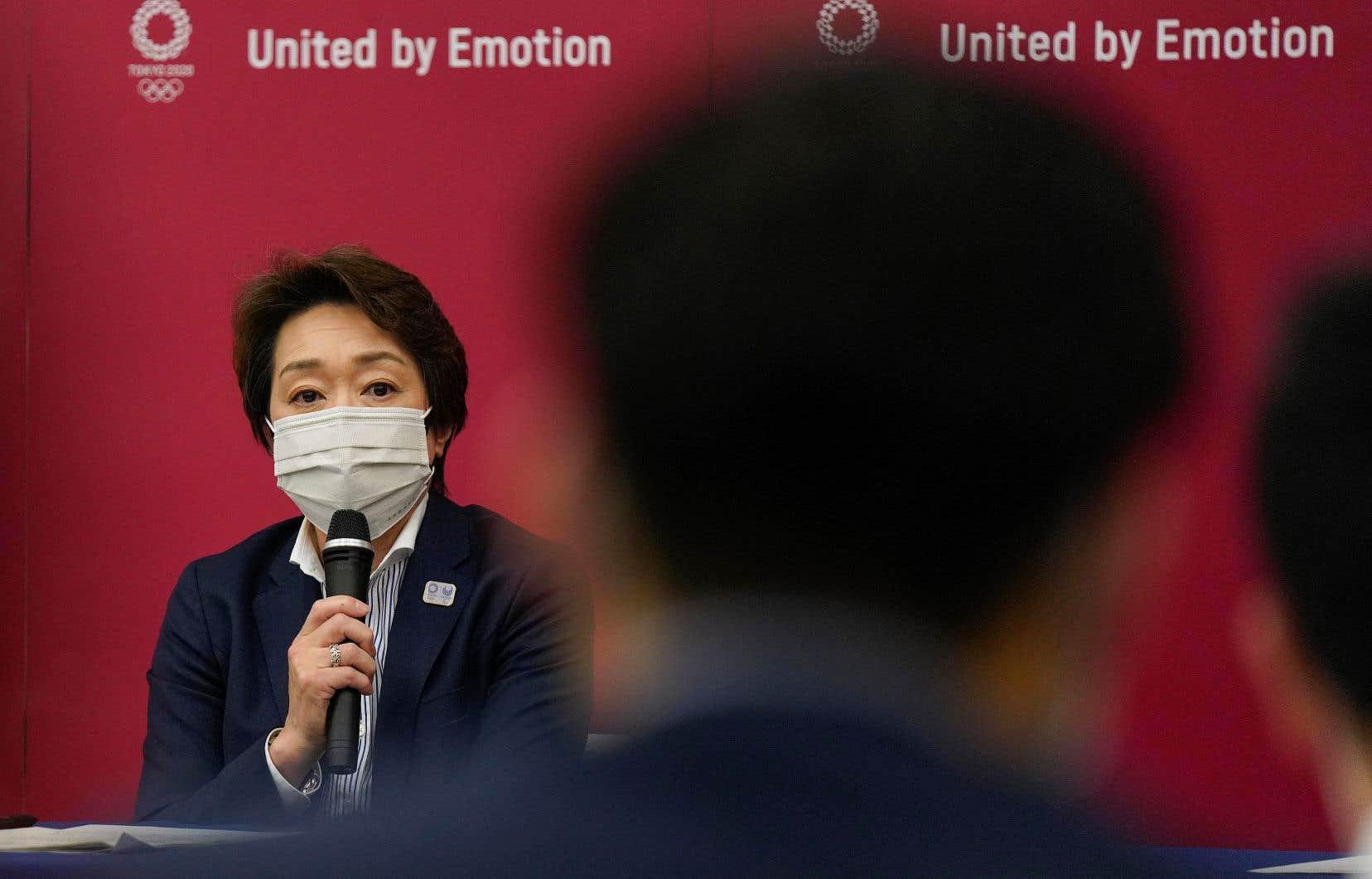 SeikoHashimoto a dit avoir le sentiment que l'opinion publique nipponne est en train de changer d'avis alors que le rythme de la campagne de vaccination au Japon, initialement très lent, commence à s'accélérer.