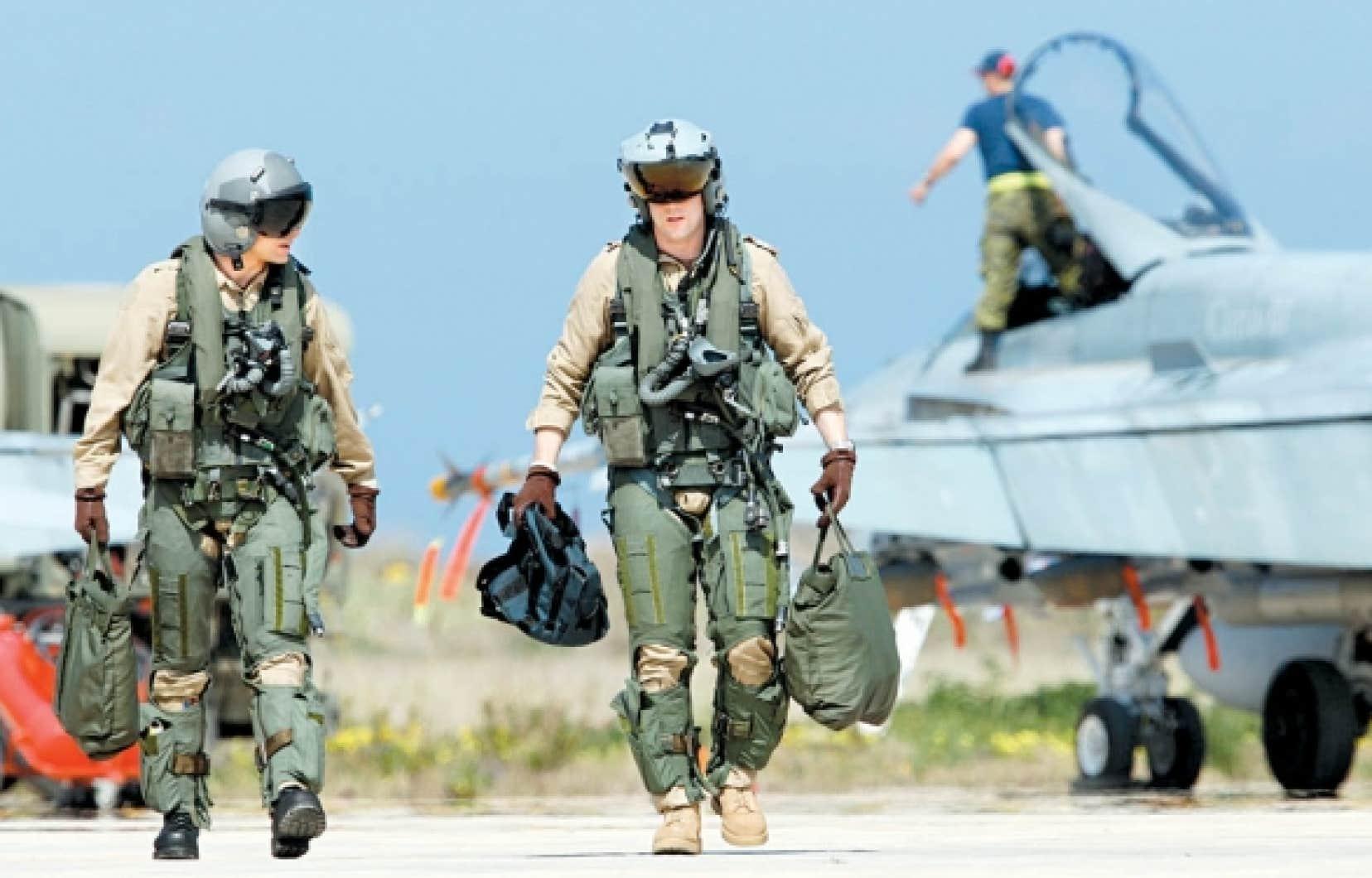Selon les chiffres d'Ottawa, la mission en Libye a coûté 26 millions de dollars jusqu'à maintenant. 34 millions supplémentaires seraient nécessaires pour la poursuivre jusqu'à la fin septembre.<br />