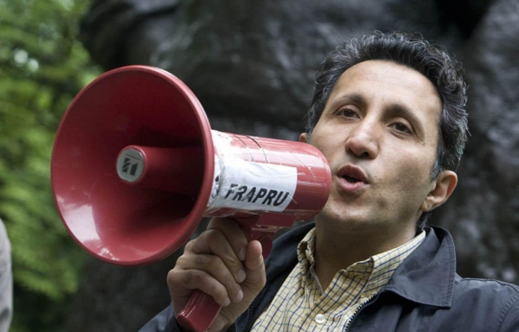 Le député de Québec solidaire, Amir Khadir, a pris part hier au parc La Fontaine à une manifestation contre la tenue du Grand Prix de Formule 1 de Montréal. Ses prises de position ont provoqué une baisse de sa popularité auprès des électeurs, mais il demeure dans le «Top 10».<br />
