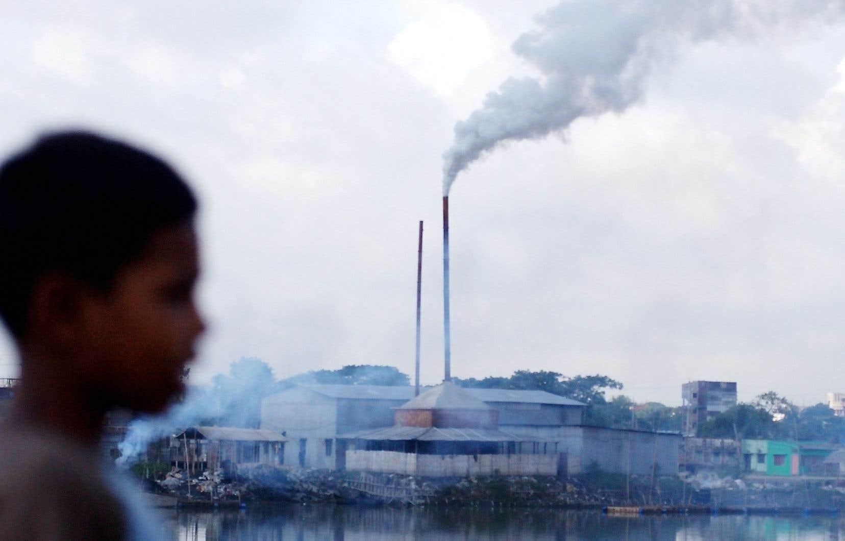 À ce stade des plans énergétiques connus, les émissions de CO2 de ces économies d'Asie, d'Afrique ou d'Amérique latine devraient croître ces 20 prochaines années, quand celles des économies avancées baisseront et celles de la Chine se stabiliseront.