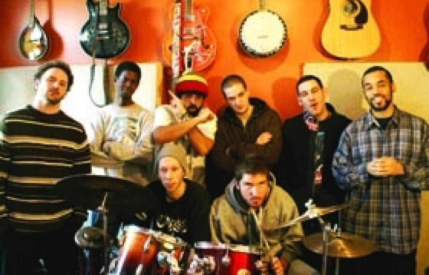Le rap qu'offre Movèzerbe peut plaire tant aux fanatiques de  hip-hop qu'à ceux de musique du monde ou de funk.