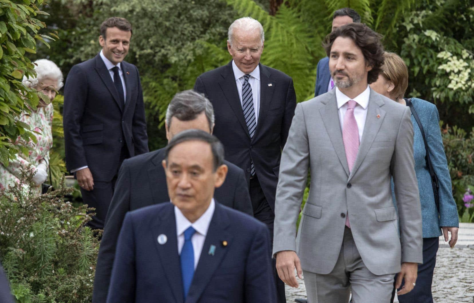 Les dirigeants des grandes puissances du G7sont entrés samedi dans le vif du sujet en discutant des moyens de fourbir ses armes face à la crise sanitaire.
