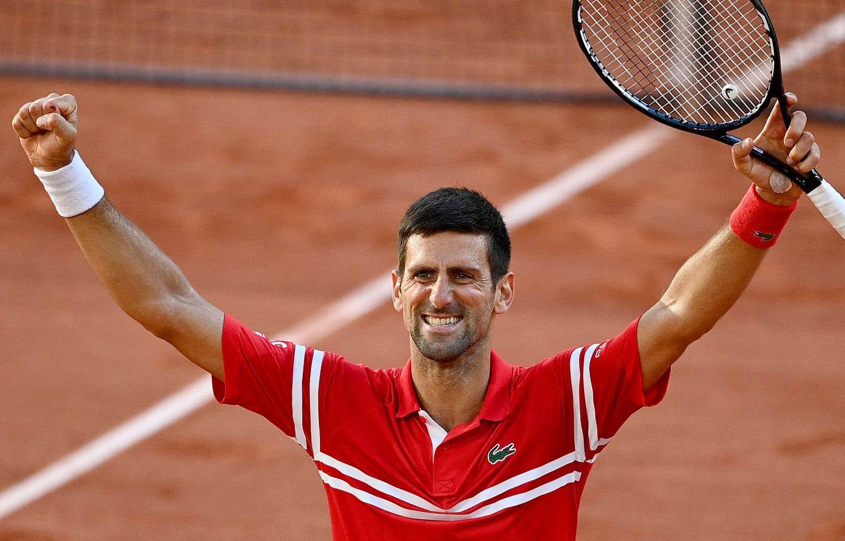 Novak Djokovic a remonté deux manches en finale de Roland-Garros dimanche, une première depuis 2004.