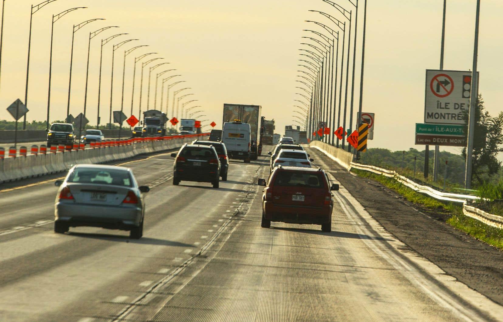 Le pont de l'Île-aux-Tourtes, construit en 1965, était sous respirateur artificiel depuis plusieurs années. Il fera d'ailleurs l'objet d'une reconstruction complète dans les prochaines années, promet Québec.