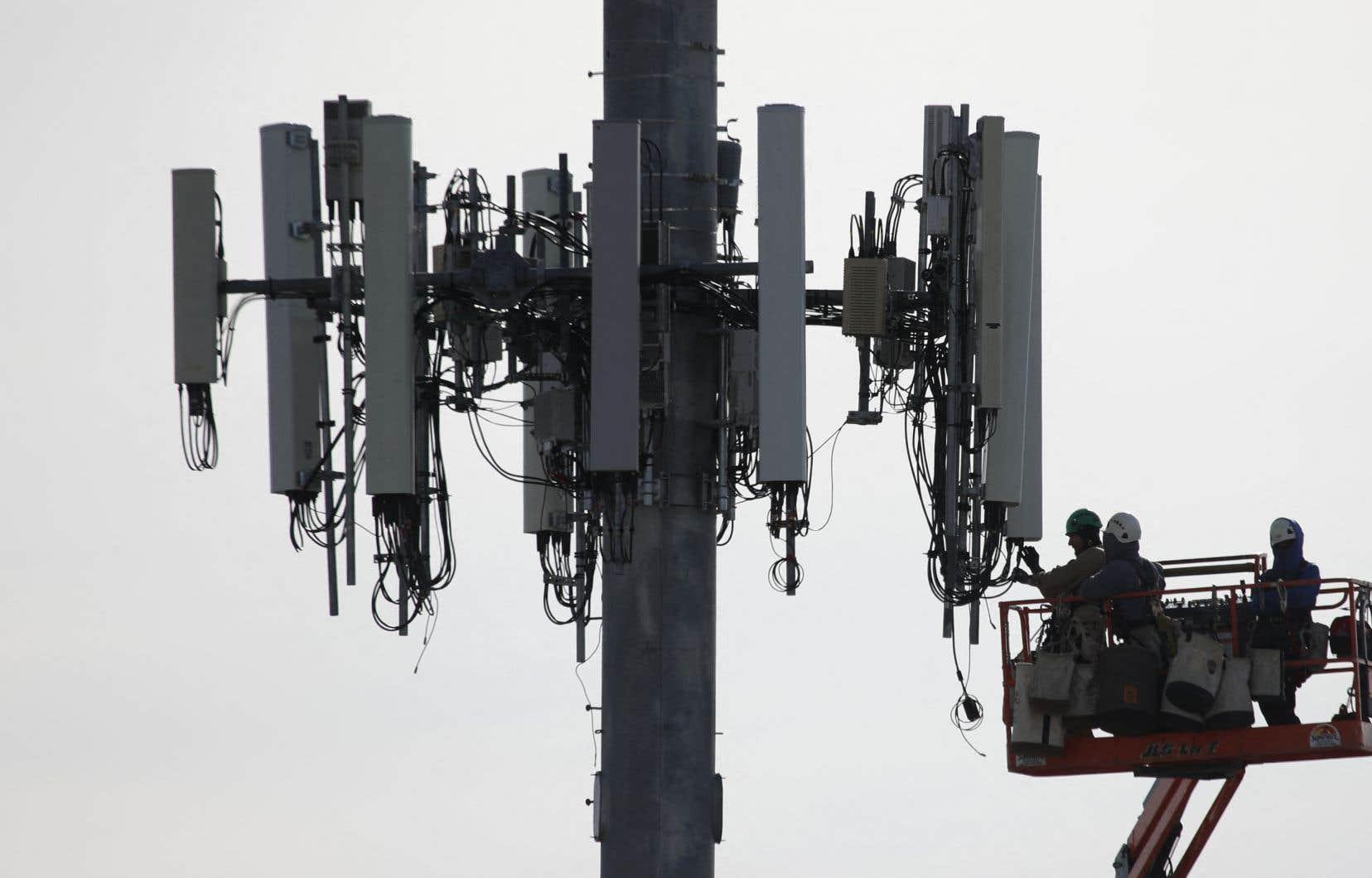 Les fournisseurs canadiens de services sans fil déjà établis ont tous fait valoir ces derniers mois la somme colossale qu'il leur faudra investir pour bâtir leurs futurs réseaux numériques.