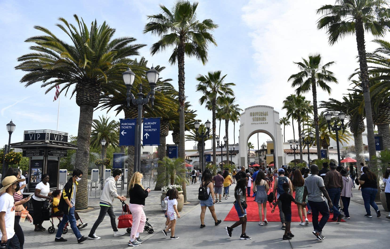 Le pays continue d'achever sa réouverture. Quasiment toutes les restrictions ont été levées mardi en Californie, État le plus peuplé.