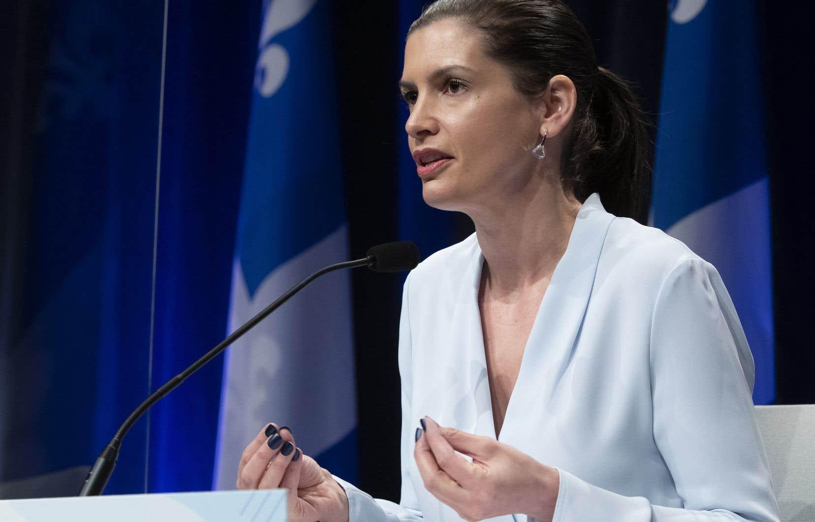 Geneviève Guilbault a fait valoir qu'avec la montée de la prédation sexuelle, de l'exploitation sexuelle, du leurre d'enfants et de la distribution d'images intimes, «pour nous c'était une évidence qu'il fallait agir là-dessus».