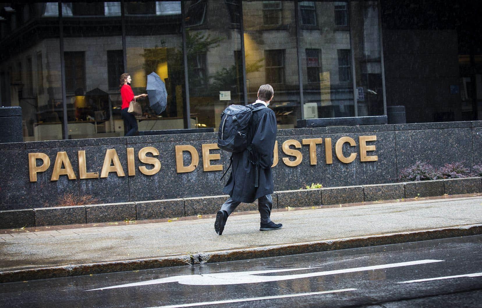 Identifié devant la cour par les initiales A.B, l'artiste s'est adressé au tribunal le 4juin dernier pour obtenir la permission de préserver son identité pour ne pas nuire à son image.