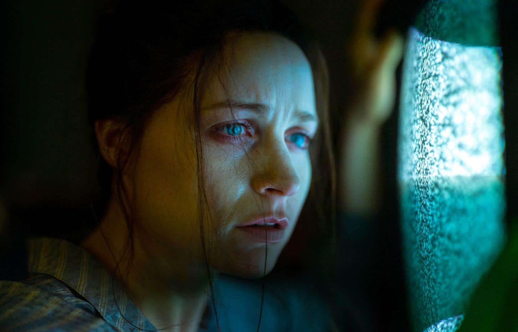 Niamh Algar dans le rôle d'Enid Baines. Avec «Censor», la réalisatrice Prano Bailey-Bond offre un premier film foisonnant où l'horreur se conjugue de maintes façons, et sur maints tons.
