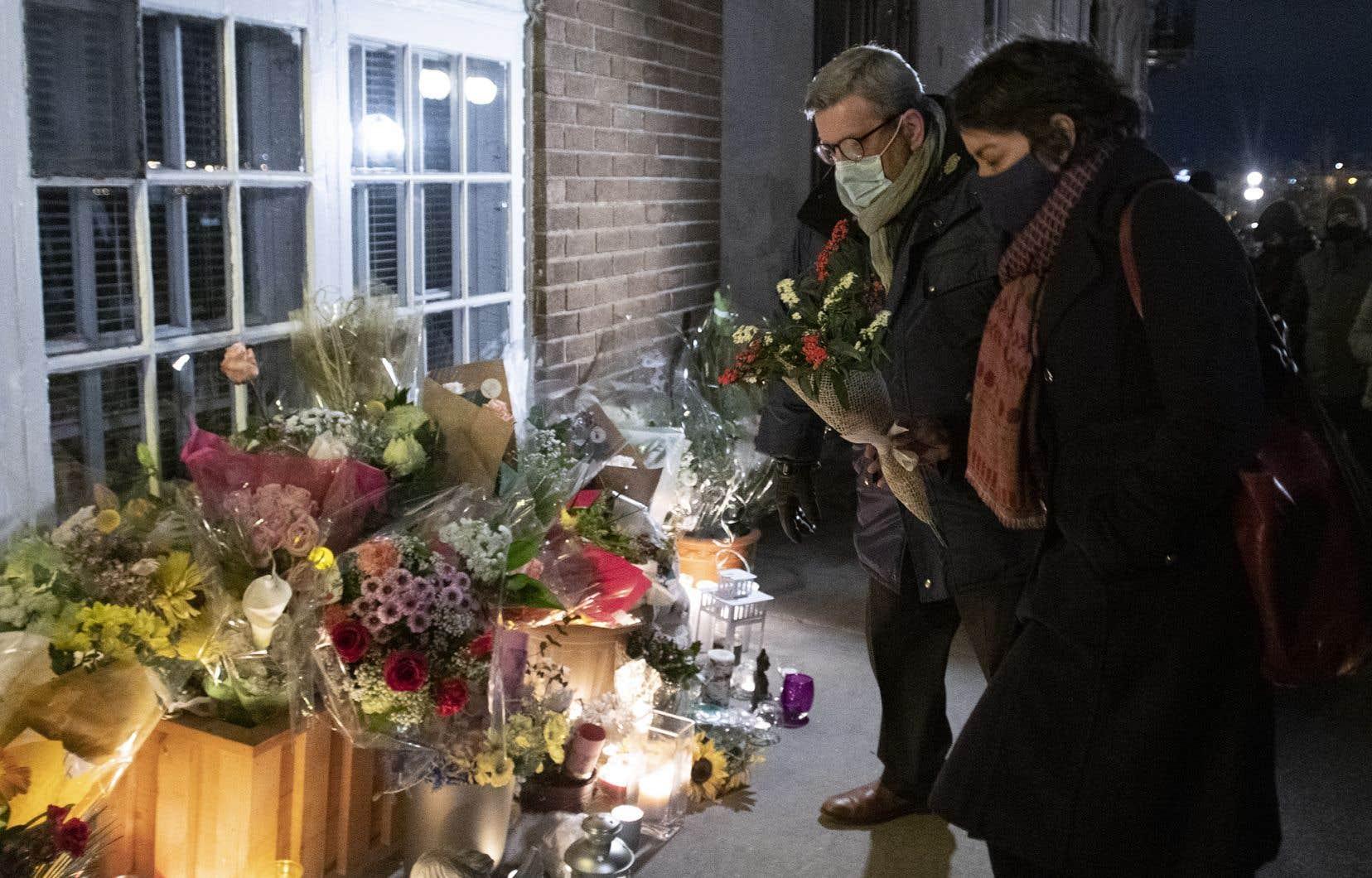 Le drame a secoué la ville et son maire, Régis Labeaume, qui a souligné que c'était la deuxième tragédie depuis celle de la Grande Mosquée de Québec en 2017 à faire les manchettes internationales.