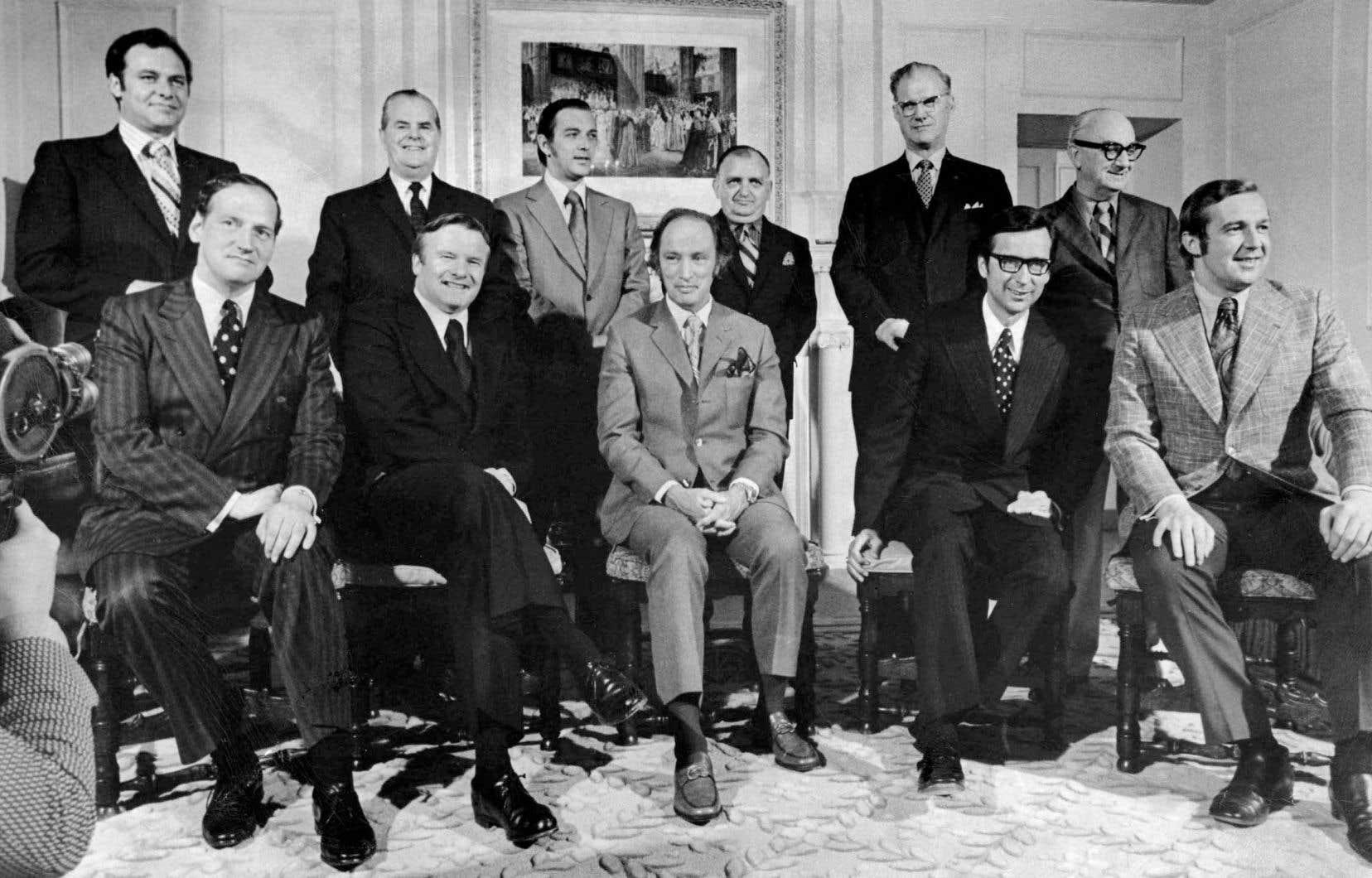 «Il y a cinquante ans cette semaine. Les premiers ministres fédéral et provinciaux s'étaient donné rendez-vous en Colombie-Britannique pour discuter d'un sujet qui est aujourd'hui tabou: la réforme constitutionnelle», rappelle l'auteur.