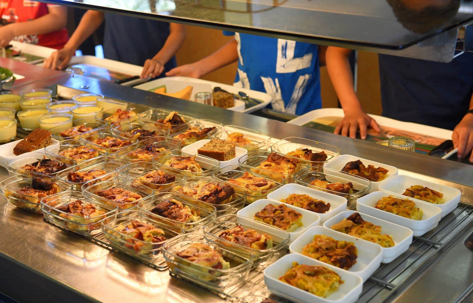 La nouvelle aide mise en place par le centre de services permettra aux écoles d'offrir des repas, des collations ou une série d'autres mesures qu'elles jugent pertinentes aux élèves les plus vulnérables.
