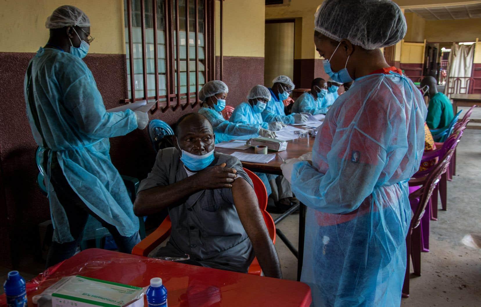 Selon la directrice régionale de l'OMS pour l'Afrique, Matshidiso Moeti, le virus a pu être contenu en quatre mois grâce aux innovations et aux enseignements tirés du passé. Elle a toutefois indiqué que les autorités et la population devront demeurer vigilantes.
