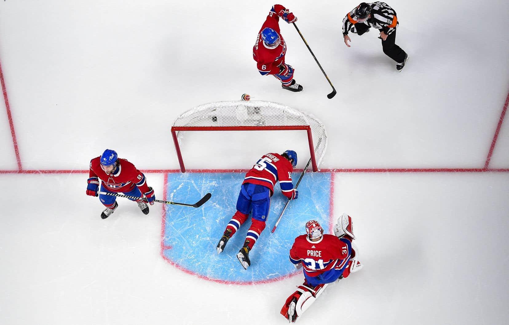 La demi-finale de la Coupe Stanley entre le Canadien et les Golden Knights est dans une impasse de 2-2 avant la cinquième rencontre, présentée mardi soir, à Las Vegas.