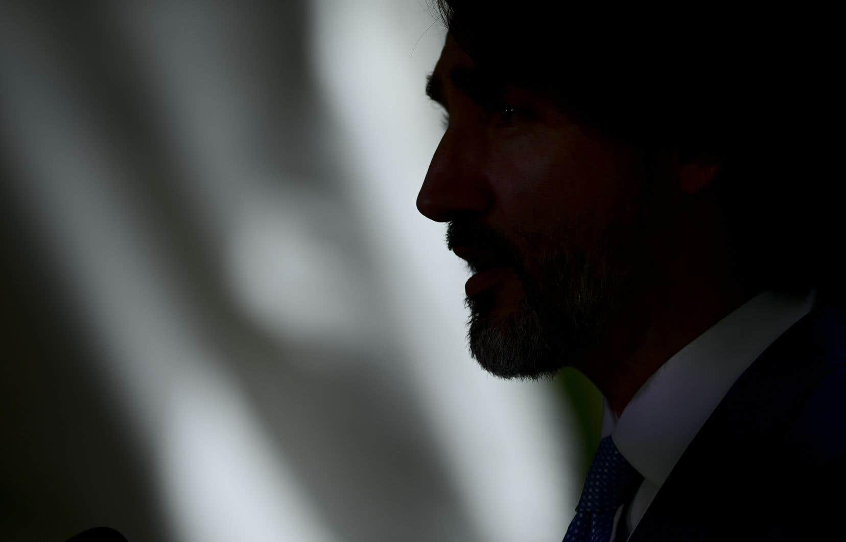L'opposition conservatrice a voté en bloc contre le gouvernement Trudeau, qui a cependant pu compter sur le soutien de trois autres petites formations à la chambre basse du parlement.
