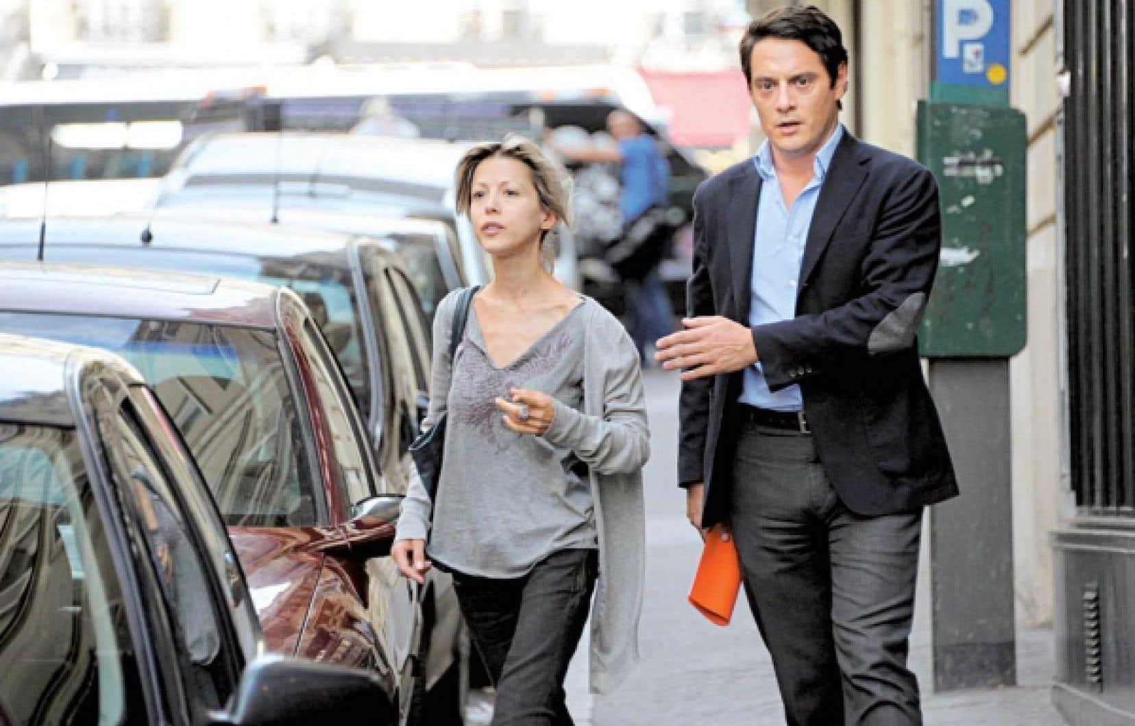 La journaliste-écrivaine Tristane Banon au côté de son avocat, David Koubbi, hier à Paris.<br />