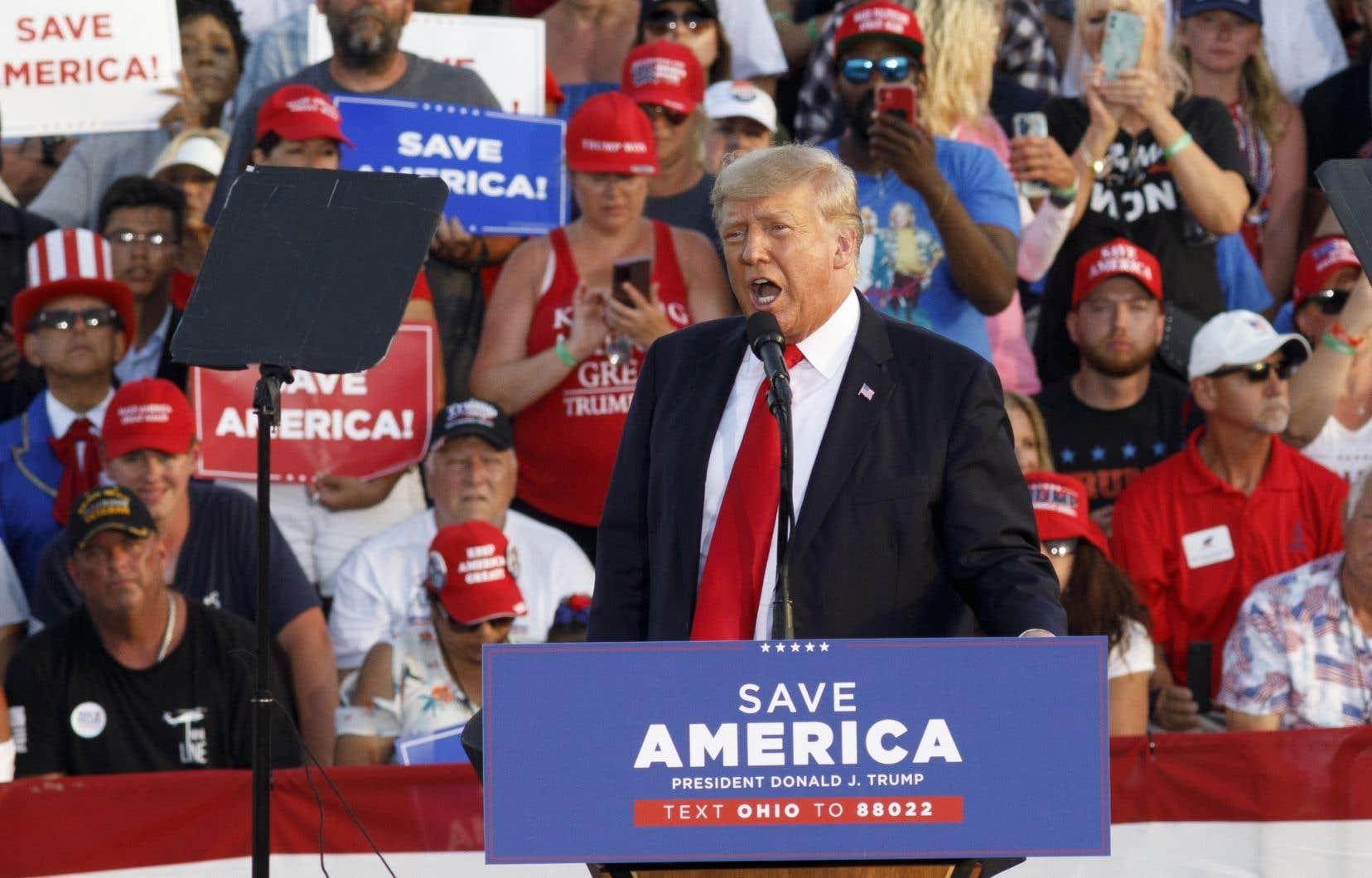 Samedi soir,Donald Trump a abordé tous ses thèmes de prédilection, en dressant le portrait d'une Amérique courant «à sa perte» sous son successeur, Joe Biden, tout en répétant ses allégations d'élection «volée» par les démocrates en 2020.