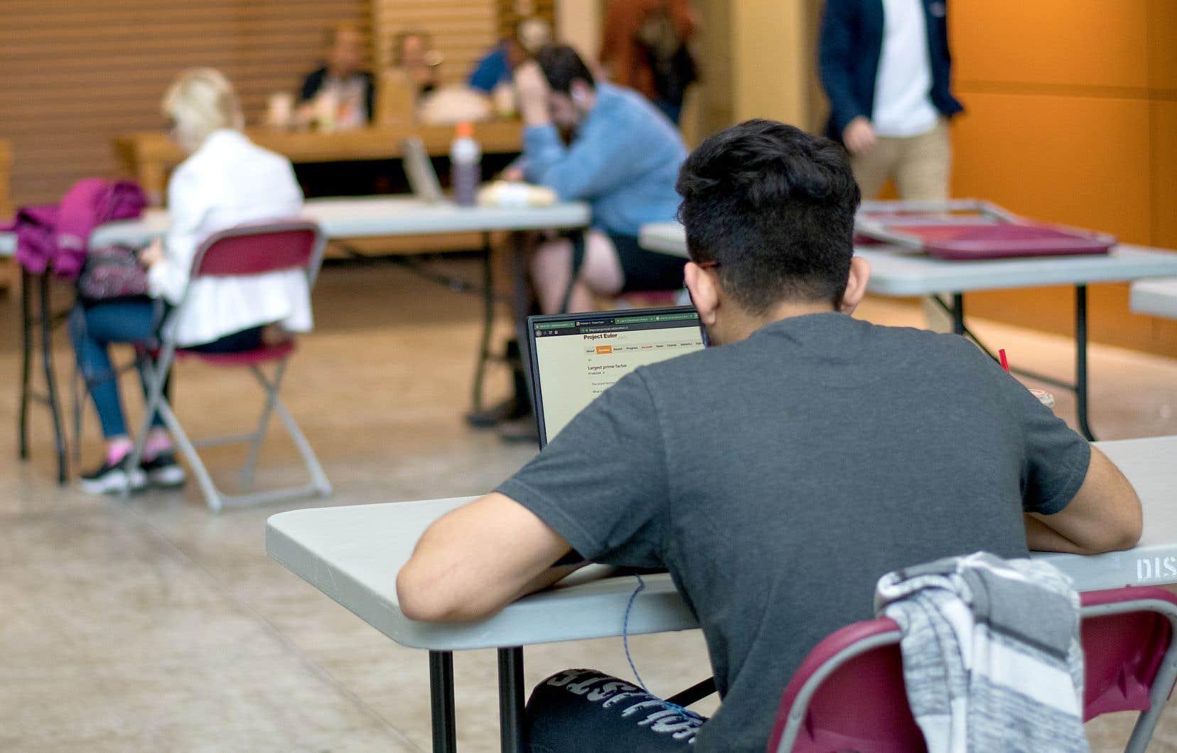 Le ministère fédéral de l'Immigration indique avoir délivré près de 100 000 permis d'études au cours des quatre premiers mois de 2021, contre environ 66 000 au cours de la même période de l'année précédente et environ 96 000 de janvier à avril 2019.