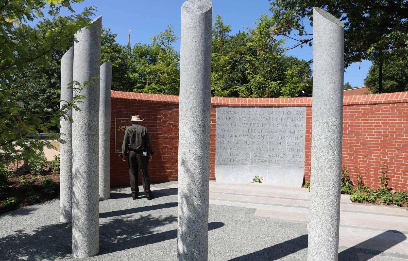 Le monument est nommé «Gardiens du premier amendement».