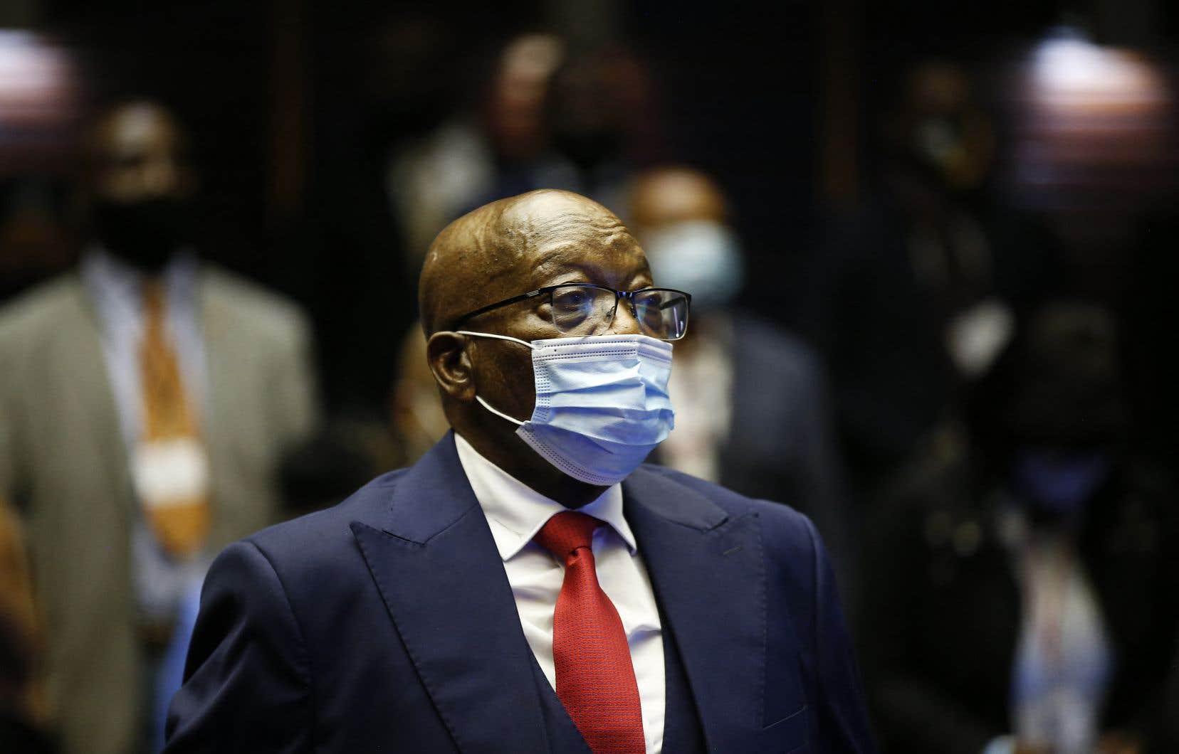Jacob Zuma, 79 ans, qui avait affirmé n'avoir aucune crainte d'être arrêté, condamné ou incarcéré, a désormais cinq jours pour se rendre.