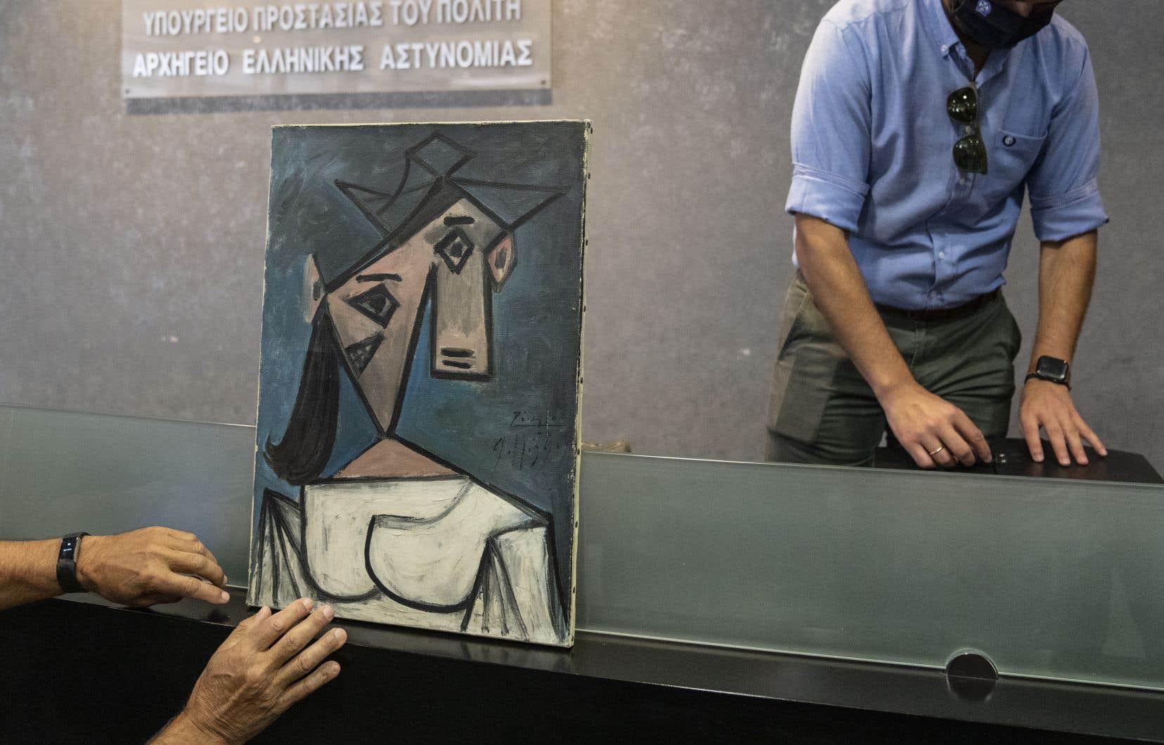 Le tableau de Pablo Picasso, une «Tête de femme» de 56 sur 40cm datant de 1939, a été retrouvé dans la région rurale de Keratea.
