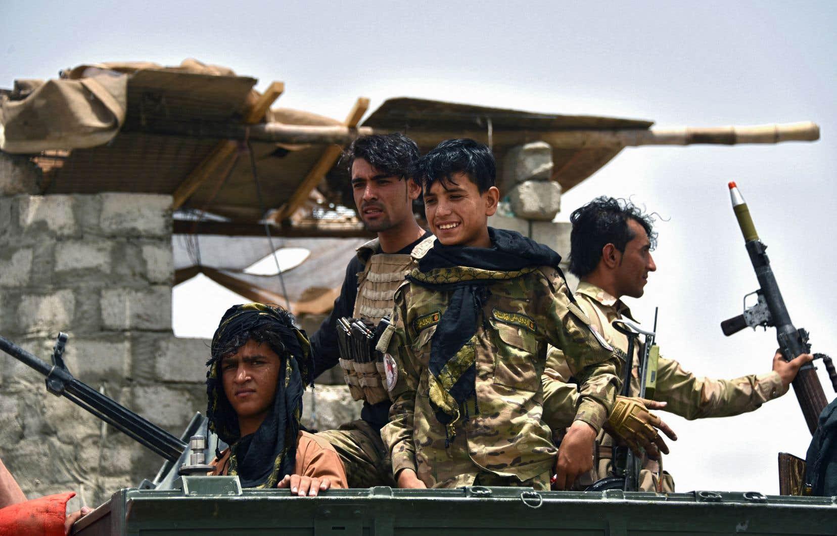 Les talibans affirment contrôler une centaine de districts sur les presque 400 que compte le pays. Les autorités afghanes contestent ce nombre.