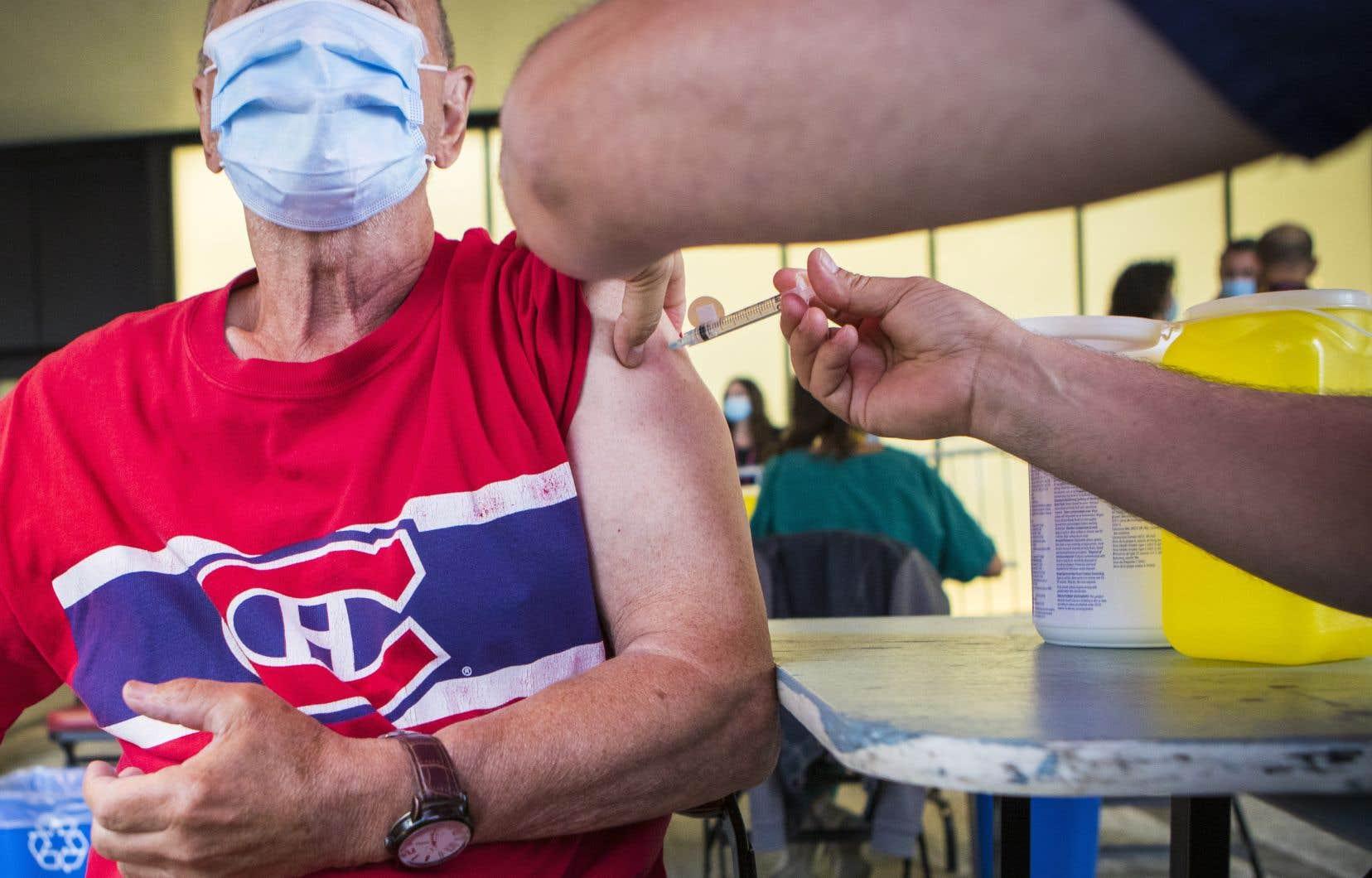 Québec fait état lundi de176nouveaux cas de COVID-19 depuis le dernier bilan, en date du 2 juillet, ainsi que d'unnouveaudécès. Parmi ces nouvelles infections, 49 cas ont été recensés dans les dernières 24 heures.