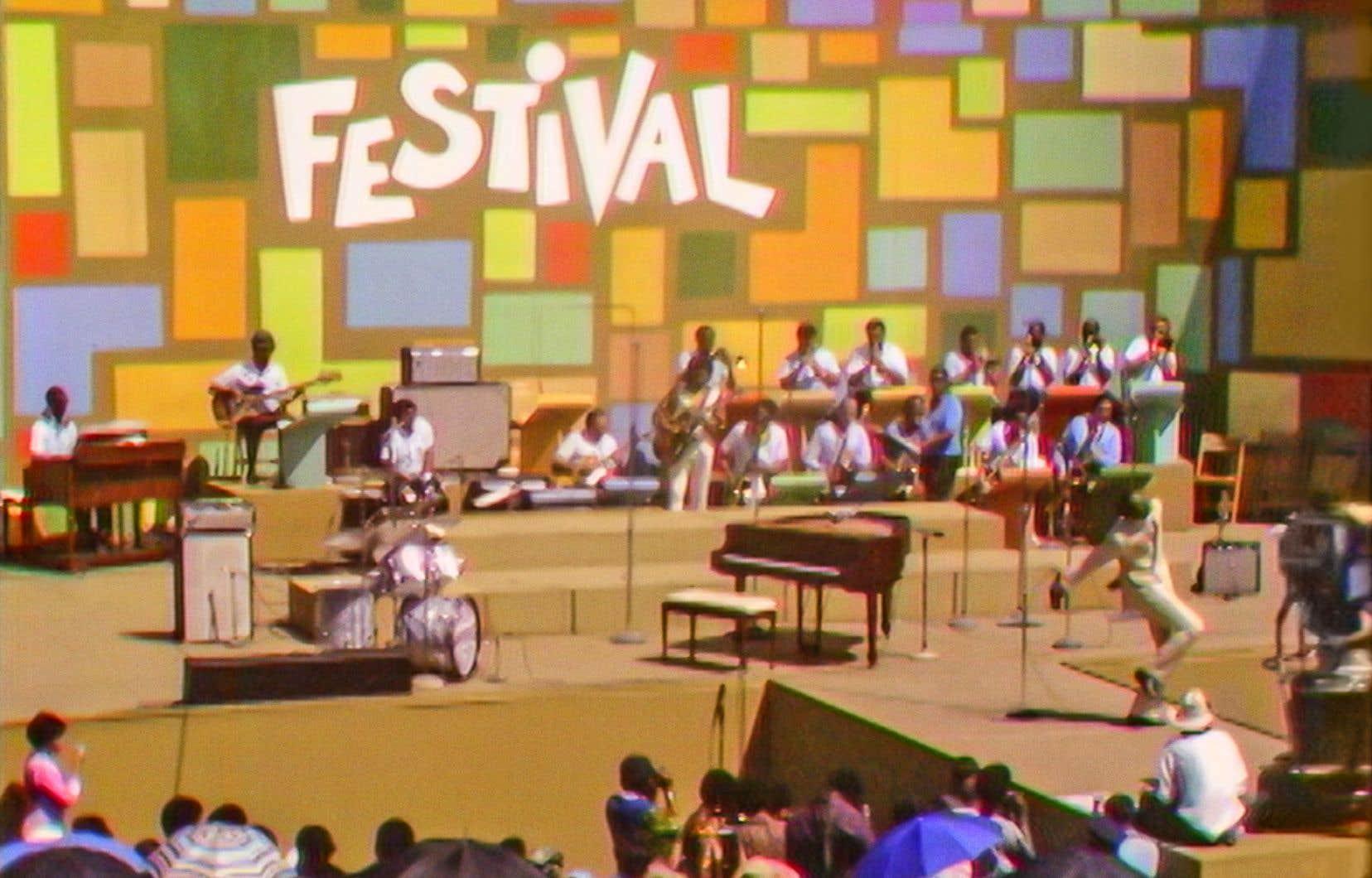 Organisé et  animé par le  coloré chanteur et entrepreneur Tony Lawrence, le Harlem Cultural Festival,  qui a attiré près de 300000 spectateurs, s'est déroulé  un an après  les assassinats de Martin Luther King Jr.  et de Robert  F. Kennedy et  en pleine guerre du Vietnam,  où de nombreux soldats afro-américains avaient été  dépêchés.