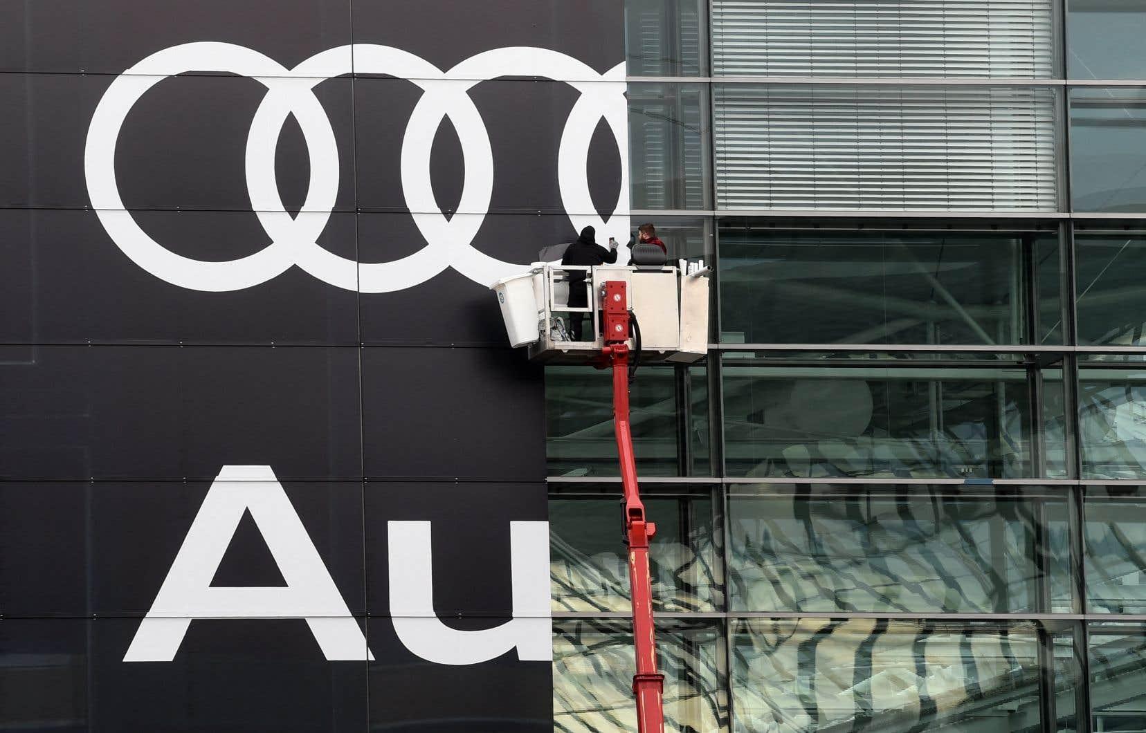 Le 11juin, le Groupe Volkswagen, qui détient entre autres la marque Audi, a publié un communiqué dans lequel il confirmait qu'une fuite de données avait exposé les données de plus de 3,3millions de personnes en Amérique du Nord, dont 163000 au Canada.