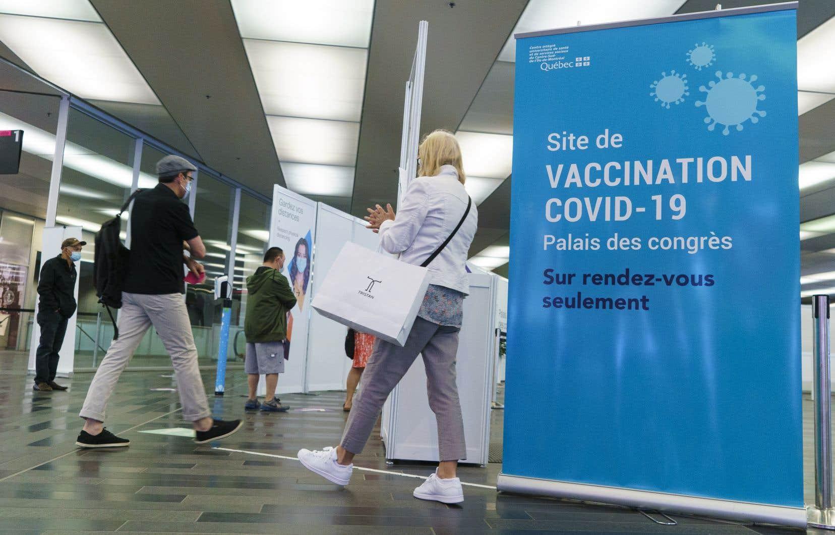 Le Québec attend cette semaine 324090 doses du vaccin de Pfizer.