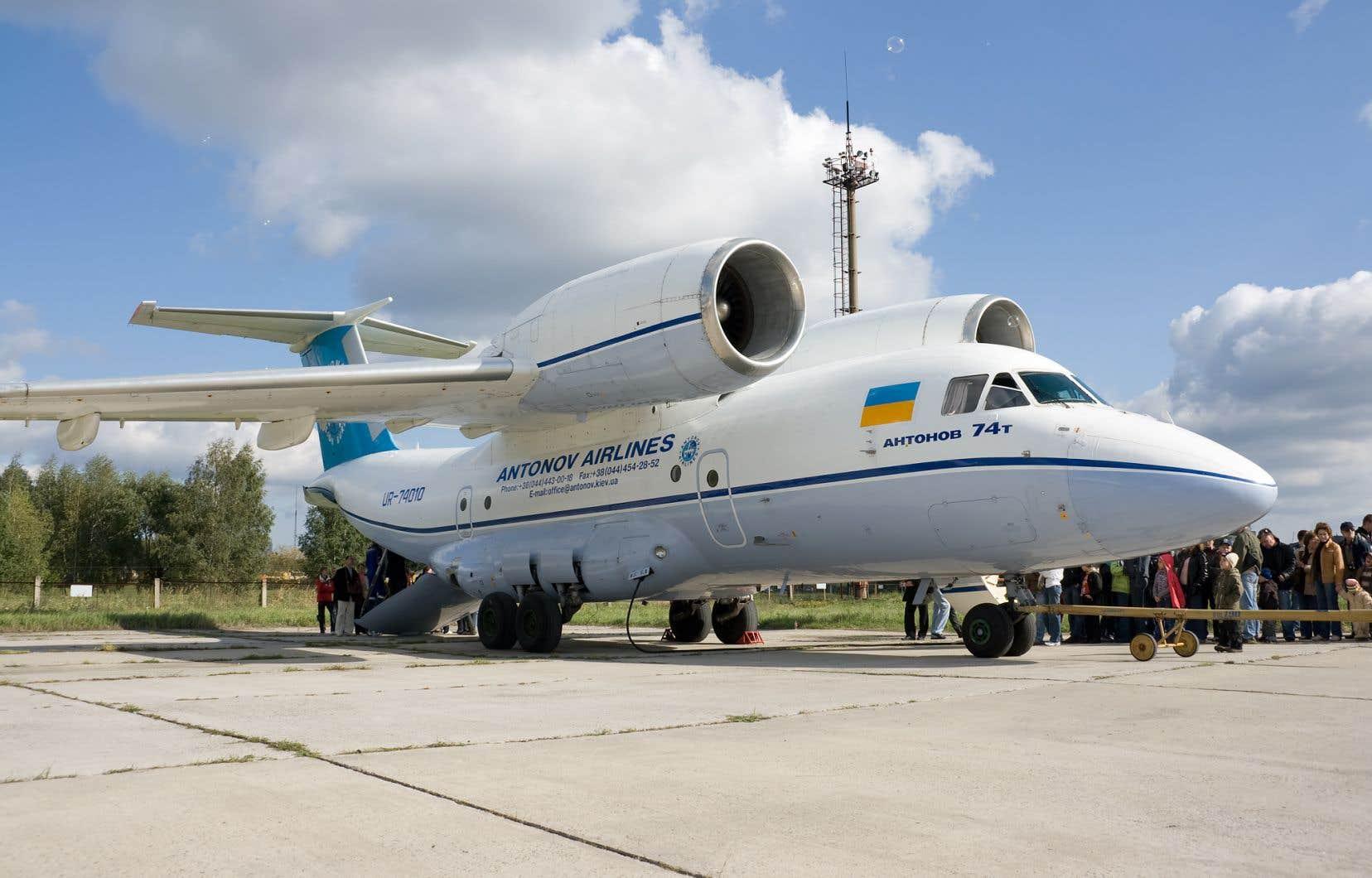 «Les risques que l'atterrissage d'Antonov au Québec se transforme en écrasement sont réels et importants», écrit l'auteur.