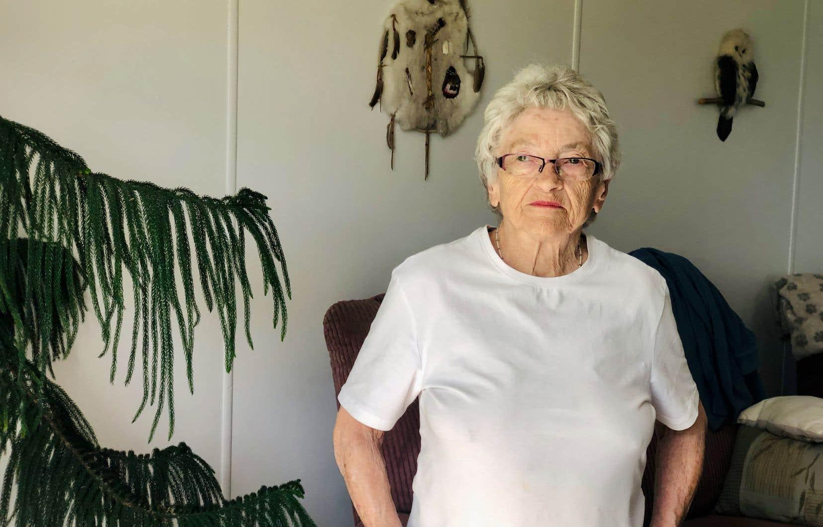 Denise Pelletier a pris sa retraite en 2005, à l'âge de 71ans, après s'être assurée que sa fille Nancy allait prendre le relais derrière le comptoir postal.