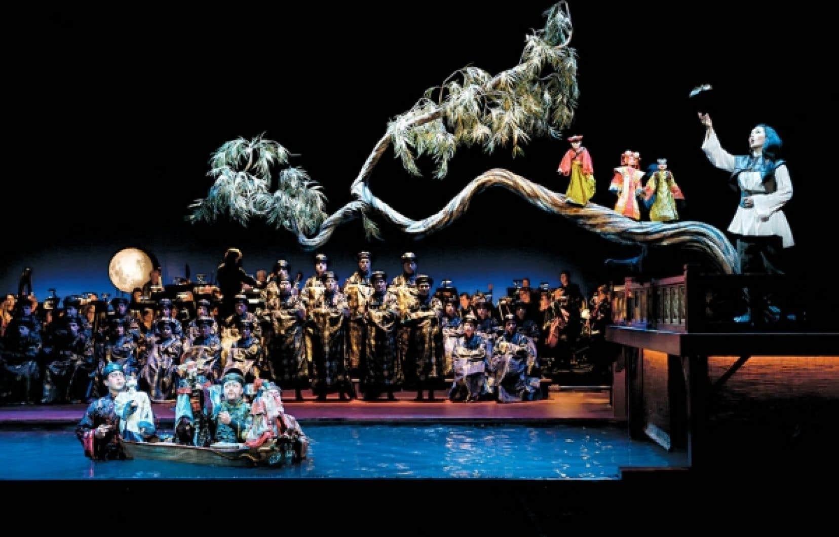 Le magique Rossignol et autres fables de Robert Lepage est la tête d'affiche du Festival d'opéra de Québec, qui se tiendra du lundi 25 juillet <br /> au samedi 6 août prochain.<br />